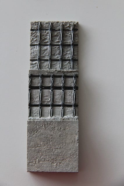 Fig. 2: Textile-reinforced concrete with a reinforcement made from a warp-knitted grid construction